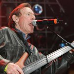 RT @HuffingtonPost: Cream bassist Jack Bruce dead at 71 http://t.co/nmjRXMOvgg http://t.co/xRfqRJVjMl