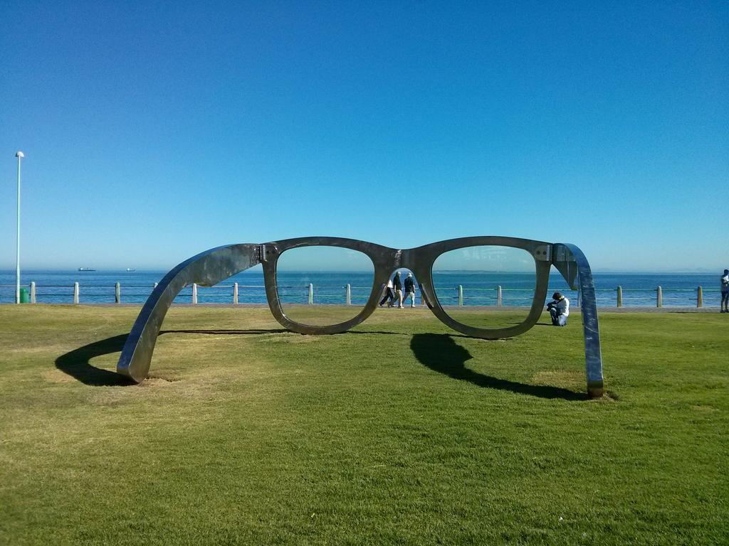 The new art installation on the Sea Point promenade. Called Perspectives of Freedom (I think). I love it! http://t.co/9ymhRA9ZkQ