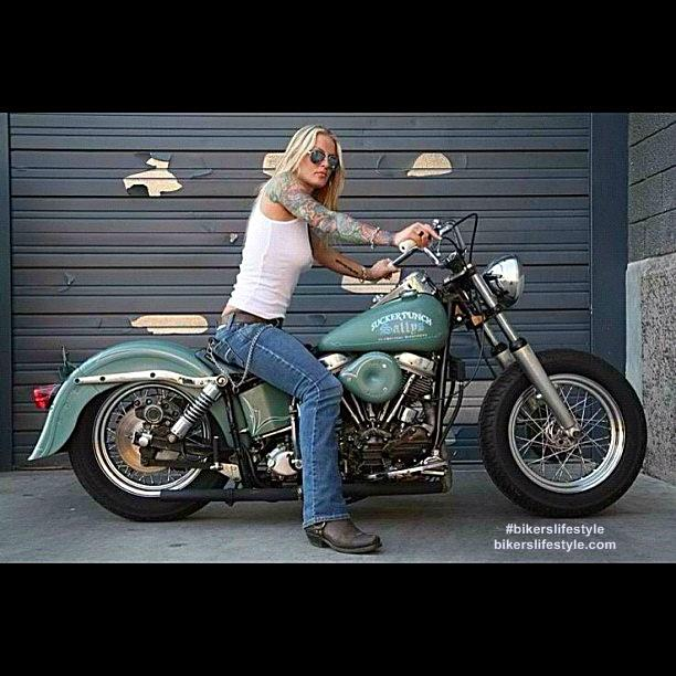 #bikerslifestyle #liveridesurvive #motorcycles #mortaladdiction #freedom #girlbikers http://t.co/IBaaJ0TVwo http://t.co/F6MGQq92wA