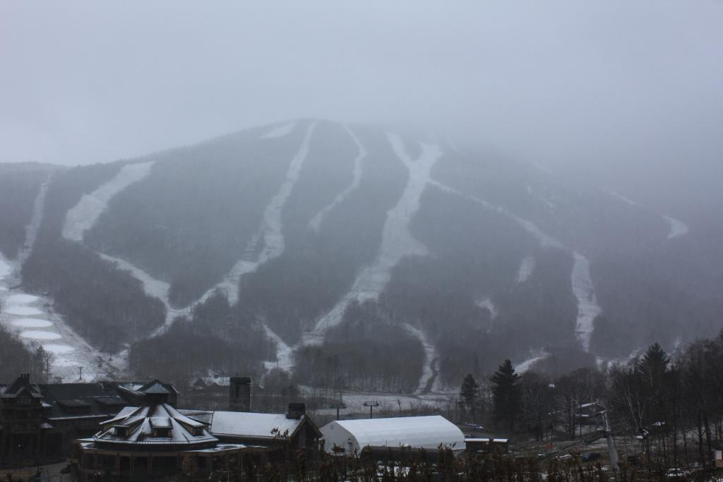 It's still snowing. Are you ready for the start of the season? http://t.co/2JTTSV8fi4