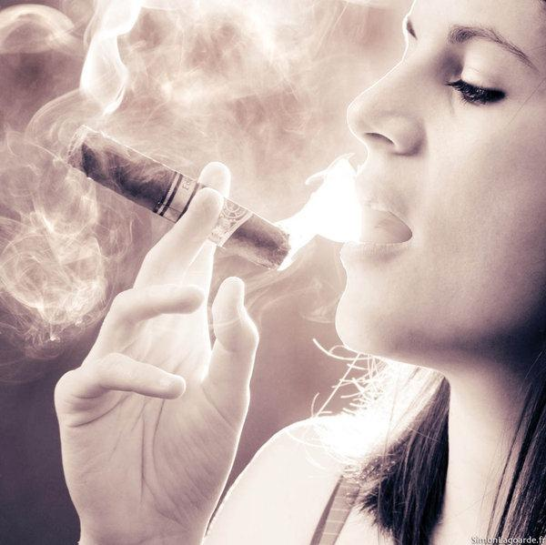 #cigar #smoking http://t.co/KnFElyl9Hq