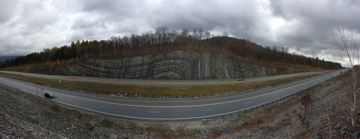 Now that's a fold. (Off 279 near VT-NY border). http://t.co/kWoUzOOyDD