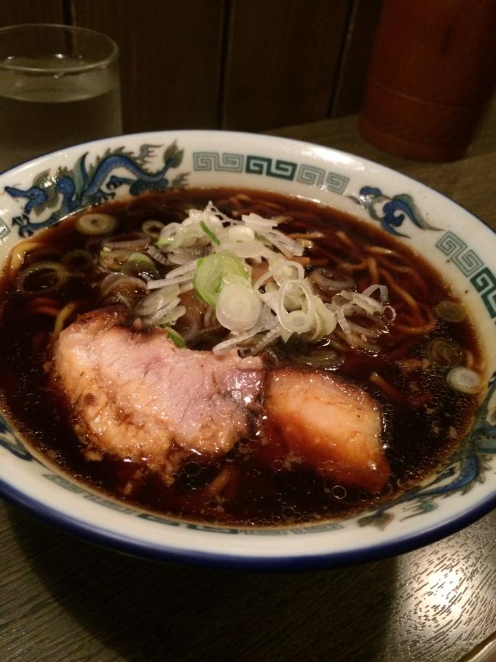 朝飯:カレー 昼飯:カレー 夕飯:カレー 夜食:富山ブラックラーメン http://t.co/HuOYxKJL9J