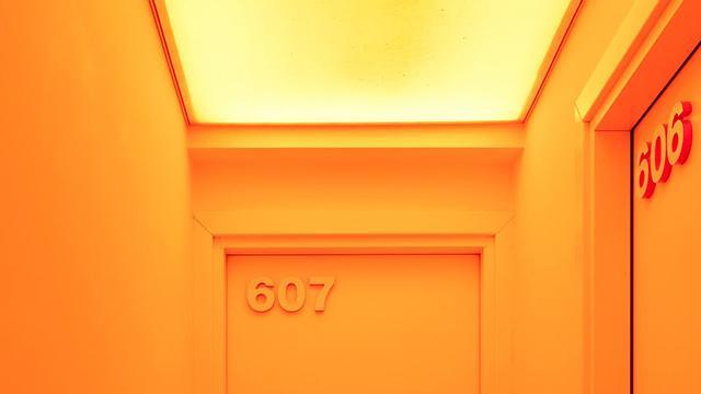 DIC派なので憧れません。 RT @coodoo: 【色彩力】これは泊まりた過ぎるだろ…「色見本・パントン」まみれな「パントン・ホテル」が登場  http://t.co/hBBezwmHWI http://t.co/4tw2GdsRKY