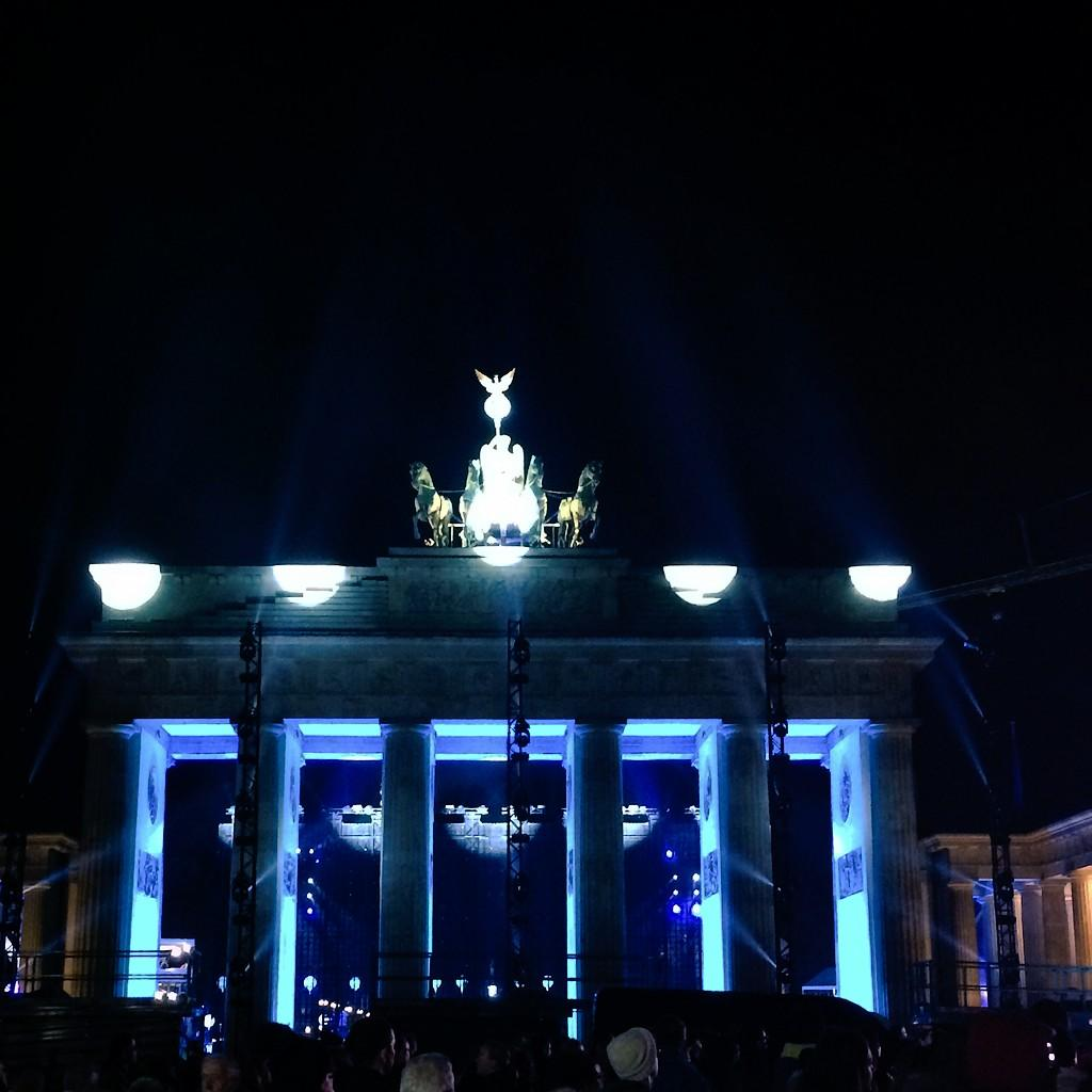 Berlin is magical! I can't stop walking around and take photos #mauerfall #lichtergrenze #fotw25 http://t.co/G4lh0jLdam
