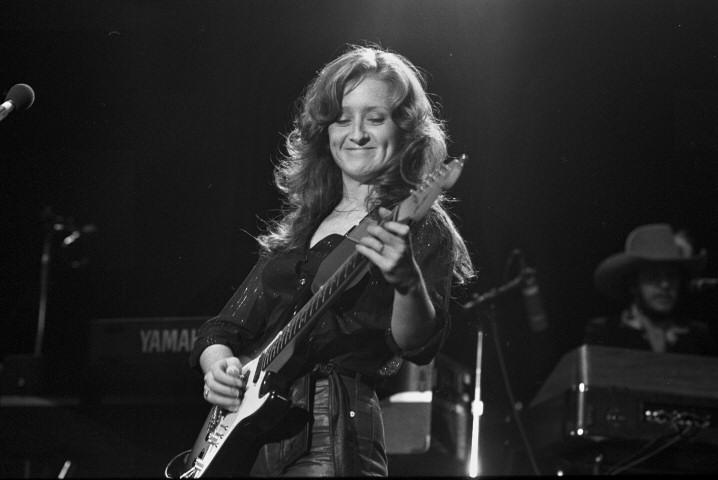 Happy Birthday @TheBonnieRaitt! She was born on November 8th, 1949 in Burbank, CA http://t.co/72NdVfGaSq