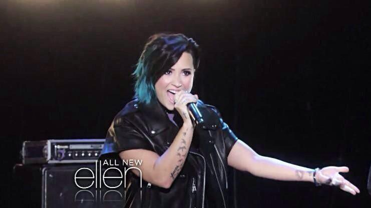 Don't forget! Demi's on Ellen Nov 10. Catch the interview and her first live #STY performance with The Vamps!! http://t.co/vJaO9Qilov