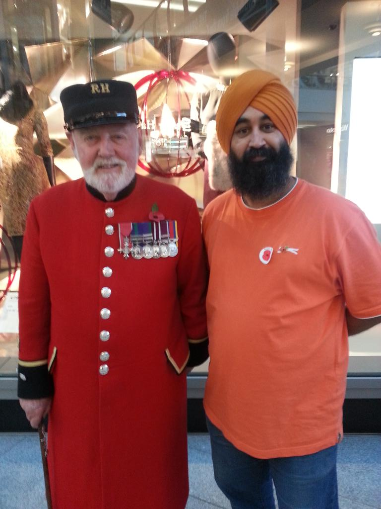 'Shoulder to shoulder with all who serve'  @poppypride1 @Poppy_Lady @1914Sikhs  @HistoryNeedsYou @PoppyLegion http://t.co/5lpy7oMzSR