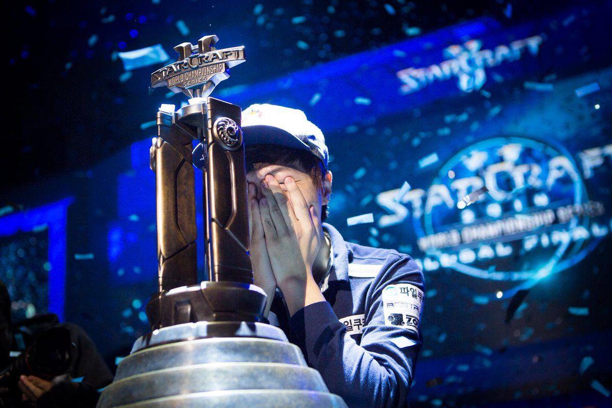 The training, competing, striving - congratulations to @Startale_Life on taking the 2014 World Championship Series! http://t.co/FIpsfWiZXU