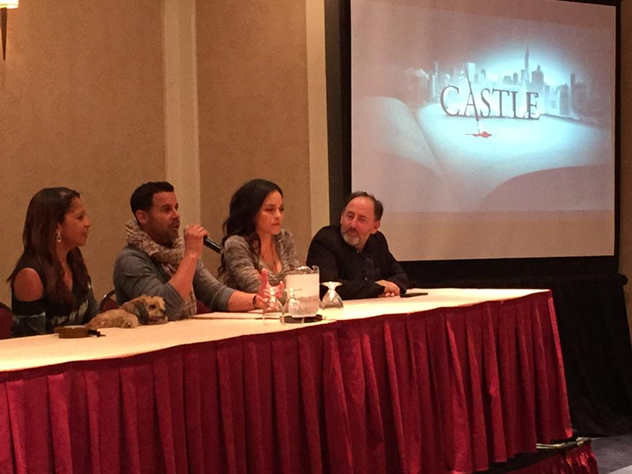 Love this shot with the #Castle logo on the screen! #CastleCon http://t.co/I2Fik4Z12r