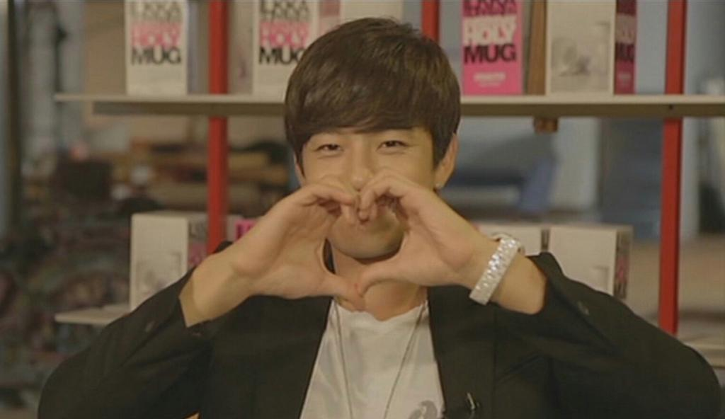 Happy birthday to @officialse7en ! Only one and a half months to go! http://t.co/EFufAtY6is
