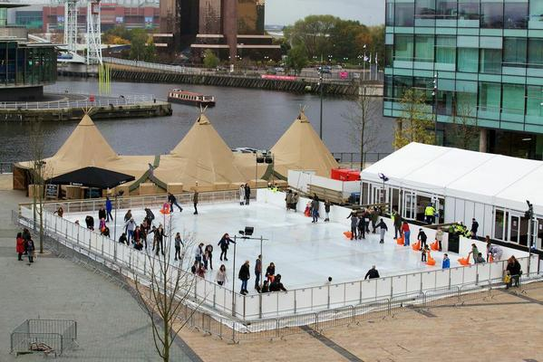 The #MediaCityUK ice rink is now officially open - get your skates on and check it out on the piazza! http://t.co/voxUQjOXyH