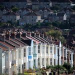 UK property market watch: House prices dip in September - Land Registry http://t.co/dfPZxxevTM http://t.co/6P4jCNwl7a