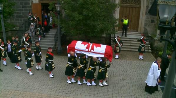 An Honourable Farewell to an Honourable Soldier. RIP Cpl Nathan Cirillo. Albainn Gu Brath #CanadaStrong http://t.co/2zRMxqmHfP