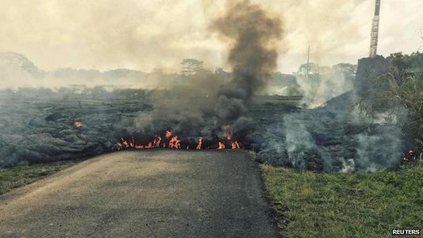 Breaking news: Hawaiian village Pahoa evacuates as Kilauea lava threatens http://t.co/qi29UJXbXX #Hawaii http://t.co/xDULUn0P1O