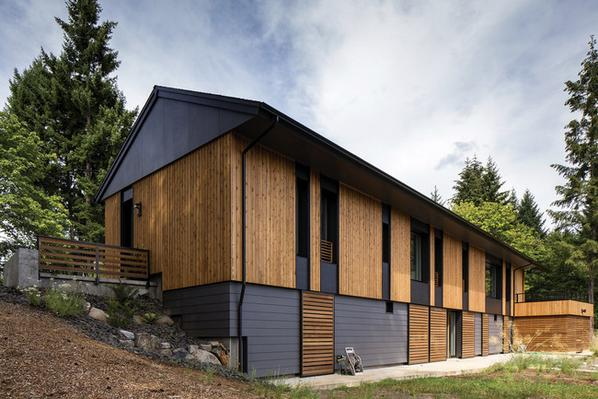 Pumpkin Ridge Passive House in Oregon by Hammer & Hand and Scott|Edwards Architecture http://t.co/xRt3sKY34N http://t.co/ocFUq9RS7m