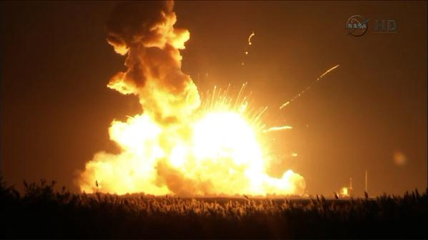 PHOTO:  Antares rocket explodes on launch from Wallops Island, VA.  #NASA http://t.co/XsAOARrgWi
