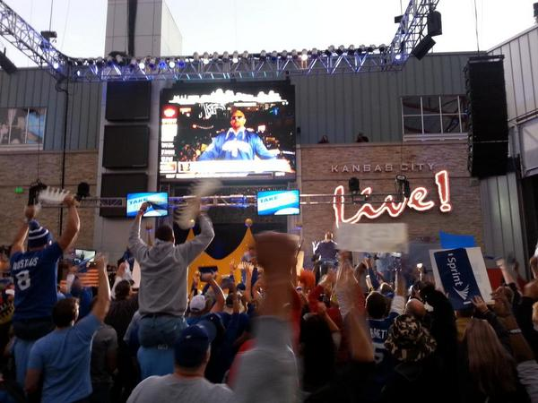The energy here is already nuts! Oh and we're on ESPN! #kc #TakeTheCrown #WEREGONNAWIN! http://t.co/2dZyE94xyO