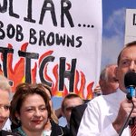 RT @SenatorLudlam: this guy wants a mature debate about something. #auspol http://t.co/W1XXTVeuyl