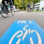 RT @badischezeitung: In #Freiburg haben Radler jetzt auf zwei Routen quer die Stadt Vorfahrt. http://t.co/RQQnuZoh0q - http://t.co/uT59mCik3t