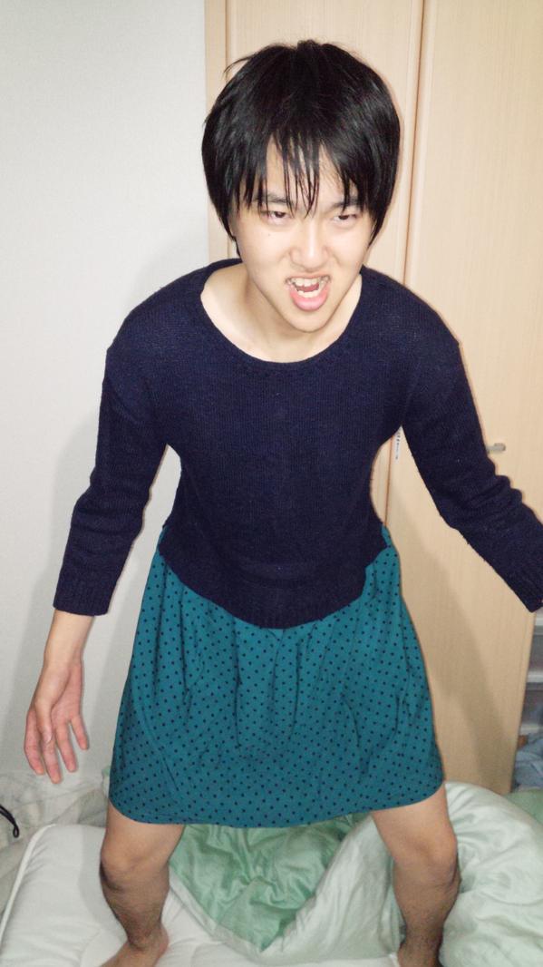初めての女装に挑戦しました! http://t.co/WdUhFkOBFk