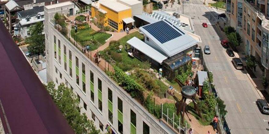 #Zonnepanelen, #dakterrassen, een dakopbouw, #stadslandbouw, etc, wat kan er eigenlijk niet op onze daken? @rob_koops http://t.co/5ELmKhIyLZ