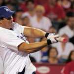 RT @NYDailyNews: .@JoseCanseco accidentally shot off his finger while cleaning his gun. http://t.co/AL9xqZ0BZb