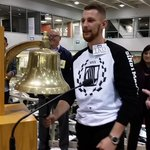Boxing contender Andrzej Fonfara rings the opening bell on the @CBOE trading floor Wednesday morning. http://t.co/Ao9zc6XQSd