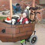 """""""@JornalOGlobo: Padrasto transforma cadeira de rodas d menino em fantasias de Halloween. http://t.co/iewEvIHR9D http://t.co/gJf7Z4CpC9"""" ❤️❤️"""