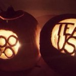 Celebrate #Halloween with #TeamUSA by showing us your #USAPumpkin! http://t.co/4W2QFkMZLk!