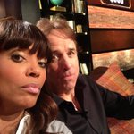 RT @CelebNameGame: Today on #CelebrityNameGame we've got the hi-lar-ious @Kevin_Nealon + #WLIIA host @AishaTyler! It's #CNGSelfie time! htt…
