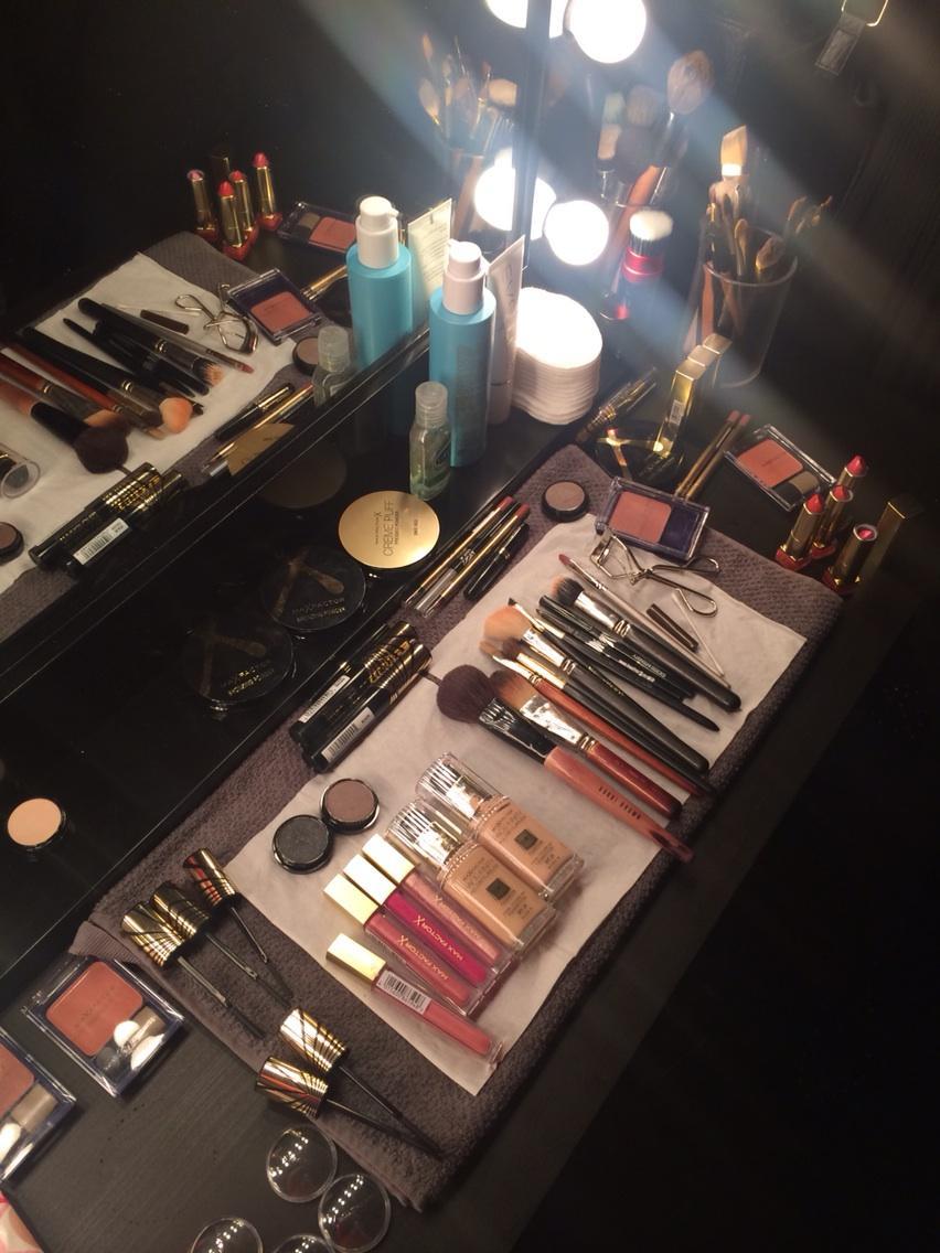 Getting glamorous @MaxFactorUK #MakeGlamourHappen http://t.co/7t73rcOjV2
