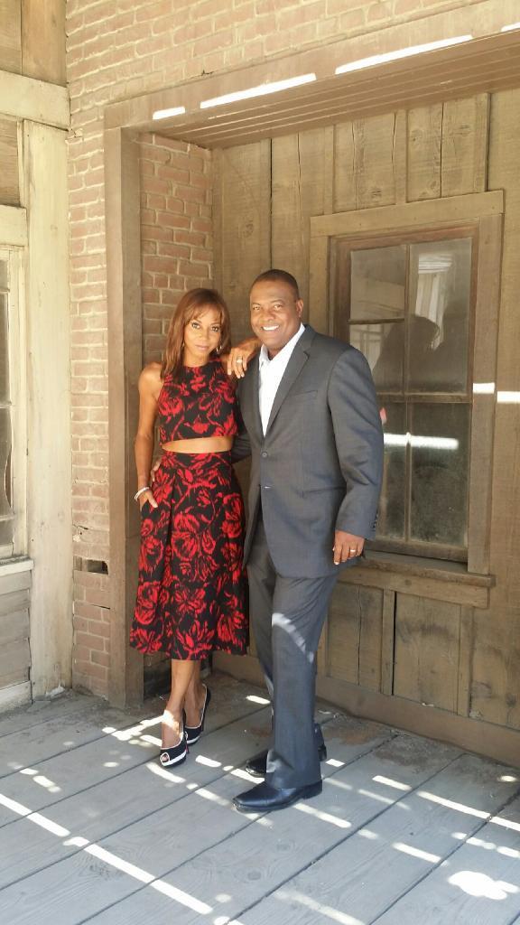 #wcw @hollyrpeete lookin good ALWAYS. #marriedup #lovestrong http://t.co/rDtT1QgWtD