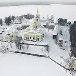 Монастырь «Нилова Пустынь», Тверьская обл. озеро Селигер. http://t.co/AsenEq34DG