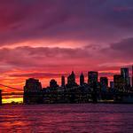 RT @isardasorensen: Gorgeous fiery #sunset amid tonights misty skies in #NYC. http://t.co/YYTkXQ4VPG