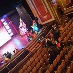 Noche de gala de festival de diseño gráfico #Arcadia2014 de la @mesoxela en Teatro Municipal de #Xela por comenzar. http://t.co/PsUxPKm96p