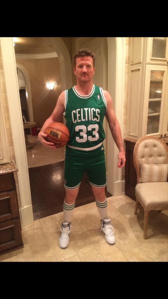 Scott Hartnell as Larry Bird. http://t.co/3zq3pYCkF9