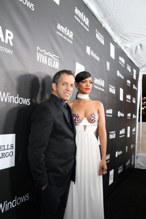 An honor to see @rihanna rocking the #amfARInspiration red carpet. Your support is invaluable! http://t.co/RTyc7Ez81Q
