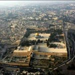 RT @AbedaDocrat: Today Al Aqsa Mosque is closed no Salaah is taking place in Al Aqsa as the zionist have shut it down♥☀♥#Pray4AlAqsa http://t.co/5Vq9duNSm9