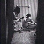 Ээжийн энэ их хичээл зүтгэл үр дүнд хүрч жаал хүү эрдэм боловсролтой, өрөвч зөөлөн нэгэн болсон гэдэг нь тодорхой... http://t.co/t7Szw3zBxf