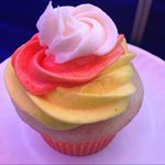 You have cupcakes...and then you have @AllyKraemerWCPO cupcakes...WOW! @wcpo http://t.co/wcxnfQxhMu