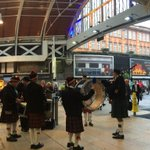 Awesome pipe band at Paddington for Poppy Day! Buy a poppy and support @PoppyLegion http://t.co/F03BWDZQ57