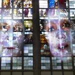 De Amerikaanse kunstenaar Tony Oursler in de @OudeKerk1012 #Amsterdam / http://t.co/oFpU27TgPx / http://t.co/Yqb5t0i5OA