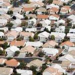 Fewer investors = A Vegas real estate market cool-down http://t.co/MVmlop2Qv7 #LasVegas #RealEstate #Homes #Housing http://t.co/YNMdpqlAI7