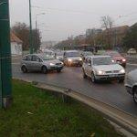 Od Śródki do Garbar ruch samochodów zamarł.taki alert można w zasadzie wrzucać codziennie o tej porze. @AlertPoznan http://t.co/zd0WCZJoDO