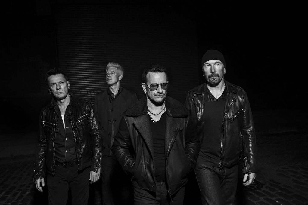 Bono and @U2 asked Magnum's Paolo Pellegrin to photograph them for few days in London & NY. Here's a frame! http://t.co/TZc2awTfkm