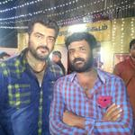 Thala #Ajith with the hairstylist Bala of #YennaiArindhaal pic took today on his birthday. http://t.co/Xv1oC6FuYM