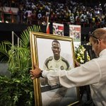 South African football fans have today celebrated the life of former South Africa goalkeeper Senzo Meyiwa. RIP. http://t.co/BOVduXdoZT