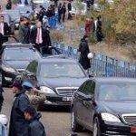 Kimden koruyorlar? Kurtarma ekibi değil,BB ve Cumhurbaşkanını koruma ekibi. Binlerce polis ve jandarma #Ermenek teydi http://t.co/pYmNQn0I7s