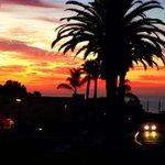Another amazing start to the day in Malibu. #pepperdine #Malibu #NeverGetsOld #sunrise http://t.co/fySnufudF2